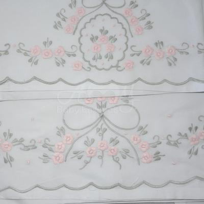 Jogo lençol de berço bordado rosa e cinza - 4 peças