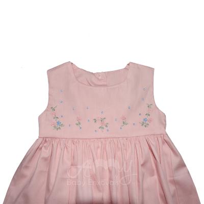 Vestido rosa bordado rosinhas com calcinha - 06 meses ; 09 meses e 1 ano